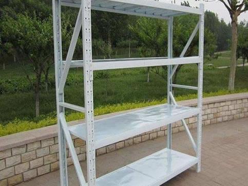 Lightweight shelf