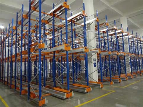 Shuttle warehouse shelf