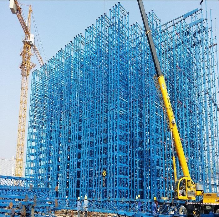 Warehouse rack integrated storage