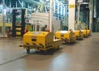 Rail shuttle intelligent car