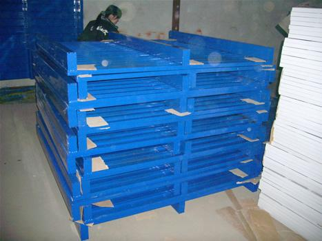 Steel pallet clamping plate gusset plate